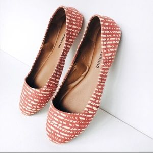 Lucky Brand printed canvas flats Size 7.5